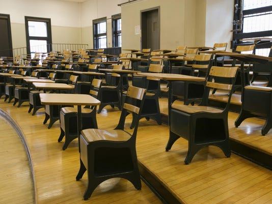 CLR-Presto college_desks