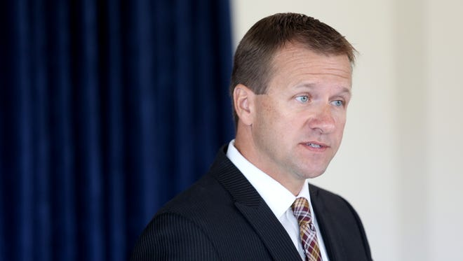 Warren County Prosecutor David P. Fornshell speaks to the media during a 2015 press conference.