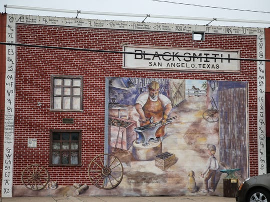A mural depicting a blacksmith shop is located on Oakes Street in downtown San Angelo.