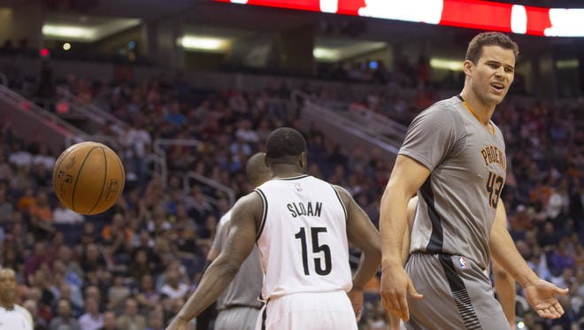 Suns' Kris Humphries (43) reacts after being called for a travel against the Nets in the first half at Talking Stick Resort Arena in Phoenix, Ariz. on Thursday, February 25, 2016.