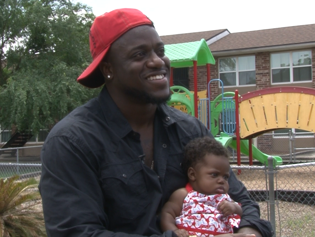 Tavaris Barnes and his youngest daughter.