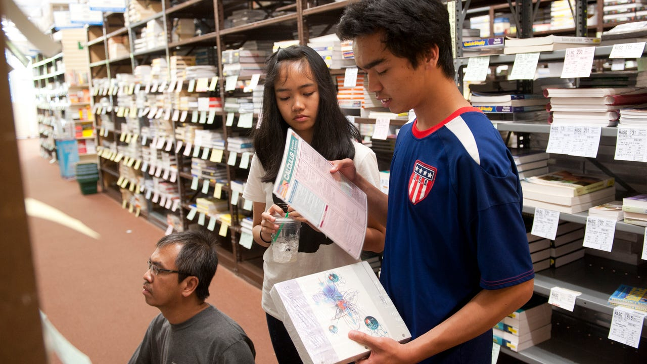 5 tips for saving money on college textbooks