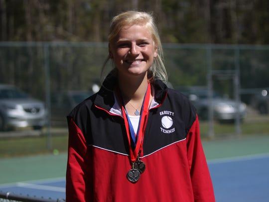 Leon junior Jules Grady captured a 2018 tennis city title with a win over Chiles' Sofia Guerrero on Friday at Maclay.