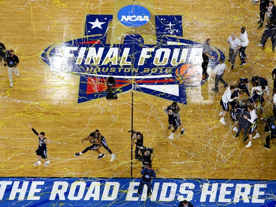 HOUSTON, TEXAS - APRIL 04:  The Villanova Wildcats