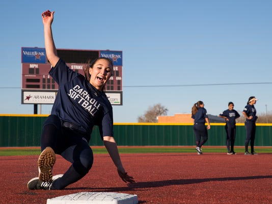 636524777618085221-1060118001-SOF-Carroll-softball-3.jpg