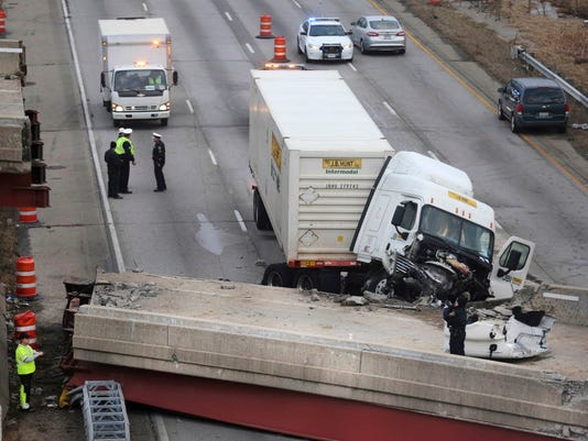 AP OVERPASS COLLAPSE A FILE USA OH