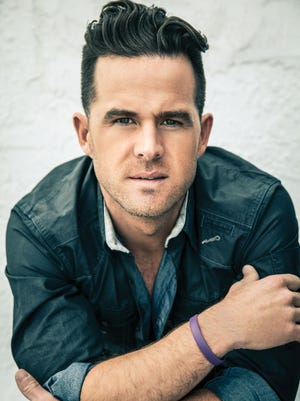 Country artist David Nail dishes on his favorite places for summer romance.