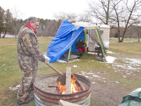 635870039301153933-Winter-camping-02.jpg