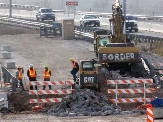 Border-West-Expressway-Project 11-25-2015
