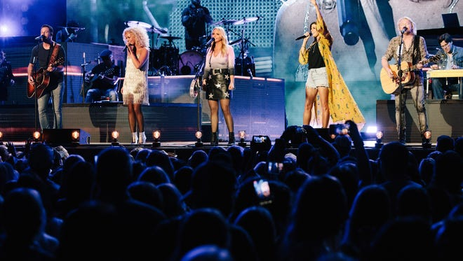 "Miranda Lambert and Little Big Town perform on their co-headlining ""Bandwagon"" tour."