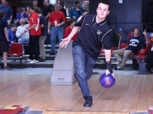 -David-Grant-bowling-FILE.JPG
