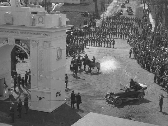 Norwich University's Corp of Cadets marching toward the Victory Arch in 1919.