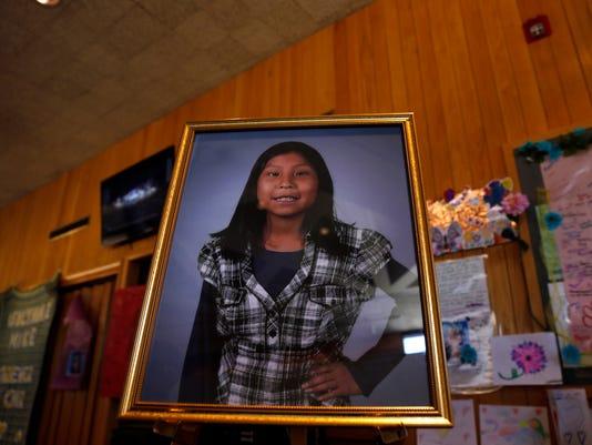 Navajo Girl.jpg