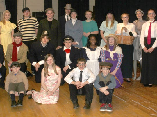 """The cast of """"Mary Poppins"""" combines students from HLV"""