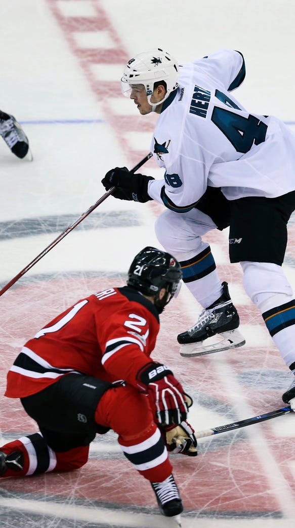 San Jose Sharks center Tomas Hertl, (48) of the Czech