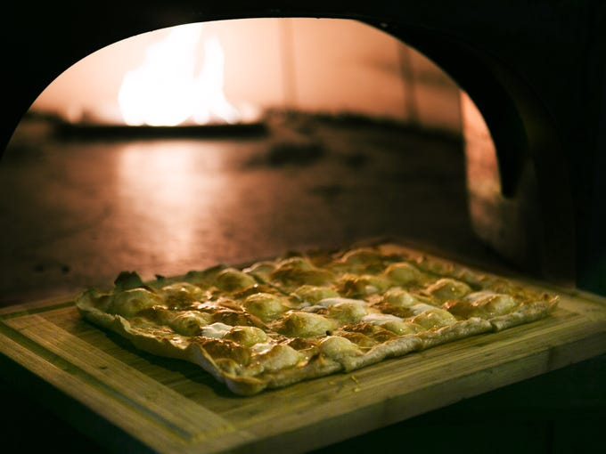 Foccaccia DeRuvo: Crisp, salty and sweet, it takes