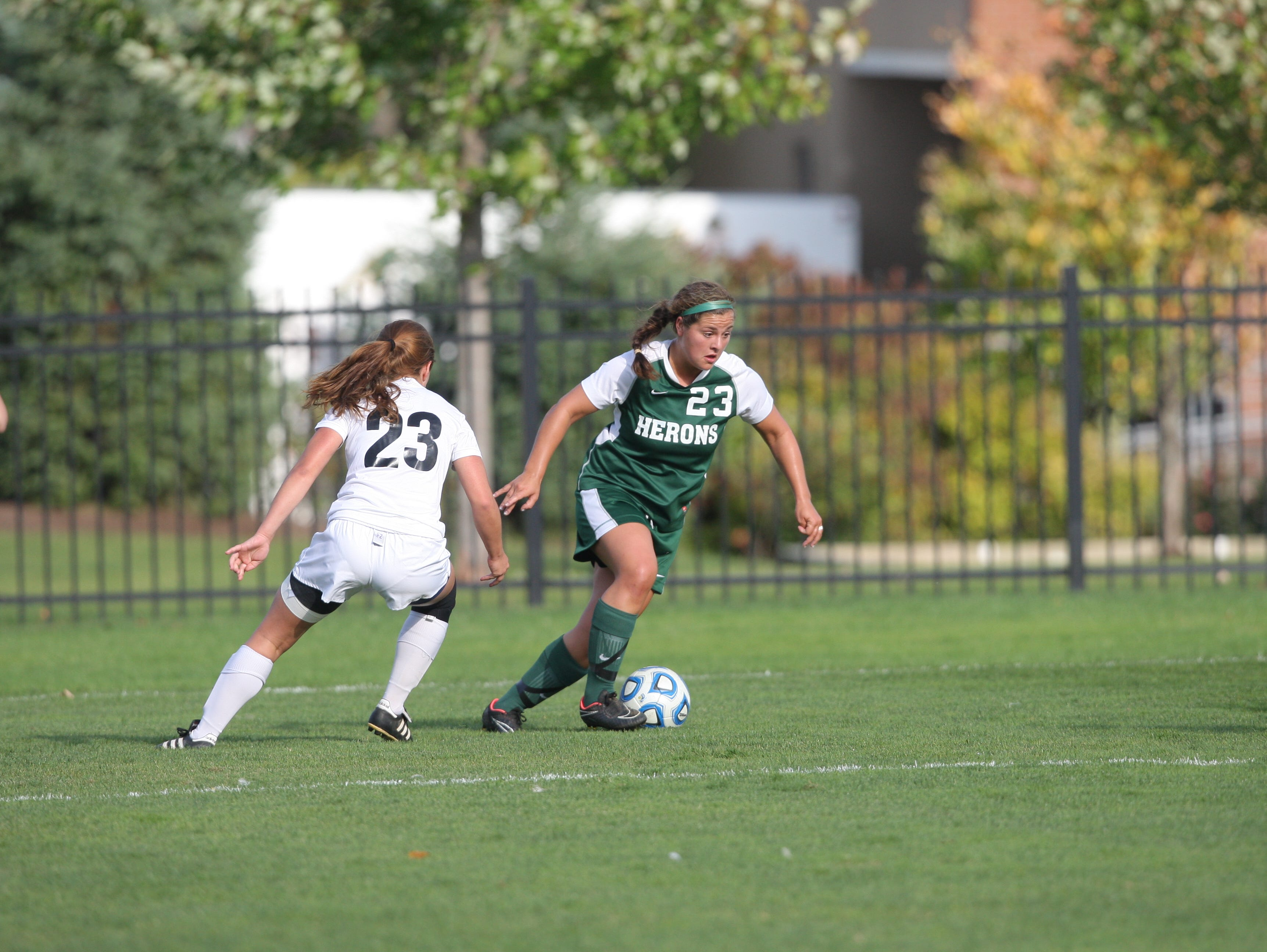 William and Smith senior Krista Longo notched a hat trick in a 5-0 win over St. Lawrence on Saturday afternoon.
