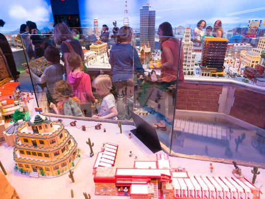 Large-scale Lego models including local landmarks like