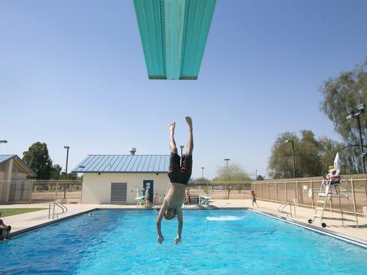 Phoenix city pools open for 2016
