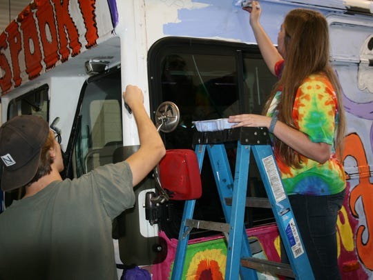 Clarksville Academy art students put the finishing