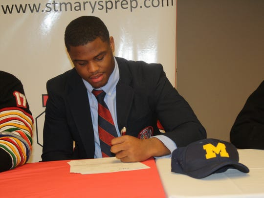 Orchard Lake St. Mary's linebacker Josh Ross signs