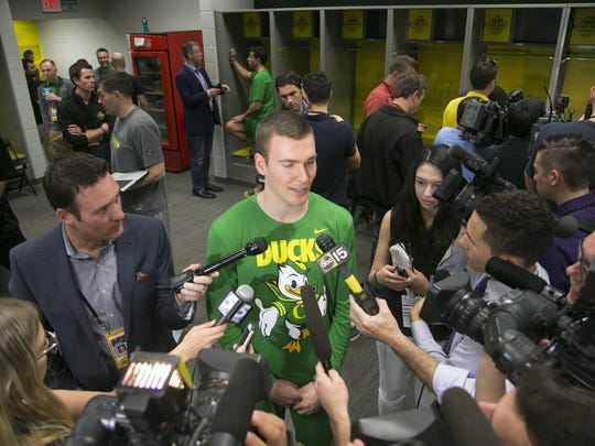 Oregon's Casey Benson, a Tempe native talks to the media in the Oregon locker room at University of Phoenix Stadium in Glendale on Thursday, March 30, 2017.