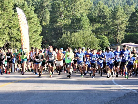 runners at Grindstone Trails event