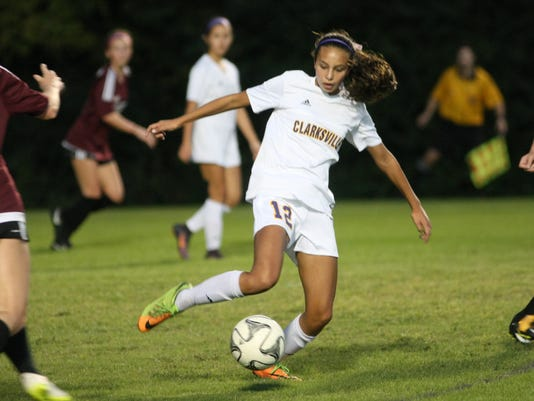636442213234133464-CHS-Collierville-Soccer-Sectional-3.JPG