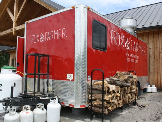 Fox and Farmer Inc. provides food to visitors of Beer