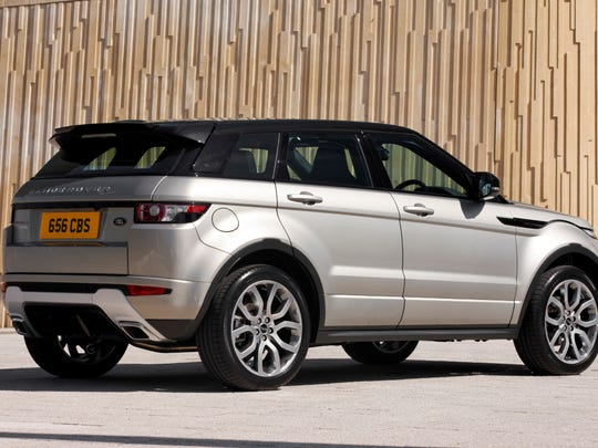 The 2015 Range Rover Evoque saves weight with composite front fenders and aluminum hood and roof panels.