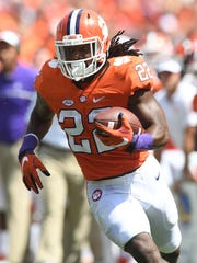 Clemson running back Tyshon Dye (22) during the 3rd