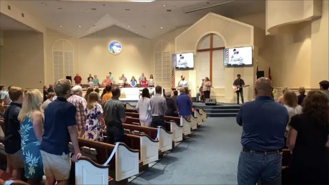 Worshipers gathered together for the first time in 15 weeks at First Baptist Church of Springfield Sunday.