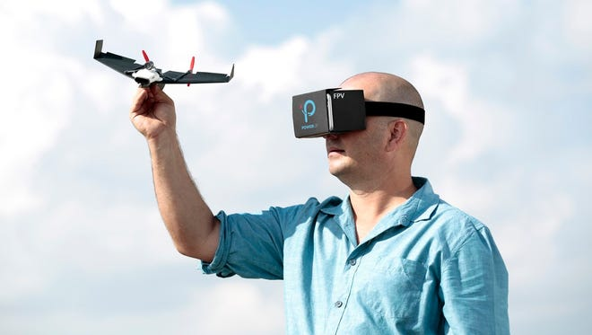 The PowerUp FPV drone extends its paper theme to its Google Cardboard VR interface.