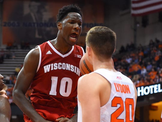 Wisconsin forward Nigel Hayes vs. Syracuse forward