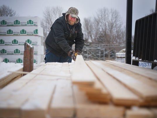 636535136096502844-Lumber-sales-003.JPG