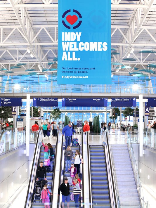 635670418872749030-01-040315-AirportBanner
