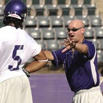 Stoker was the head coach at Northwestern State from 2002-08 before becoming the defensive coordinator at Sam Houston State and UTEP