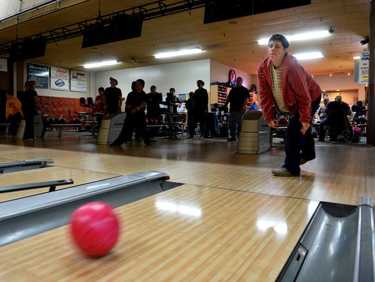 Eina Malloy bowls during Eagle Mount's Thursday afternoon