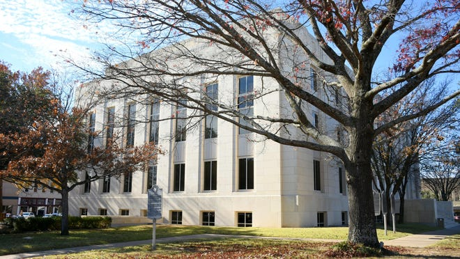 Grayson County commissioners will consider moving to the second floor of courthouse for meetings