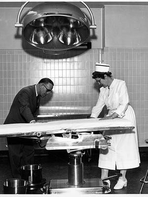 Image of the operating room in 1953.