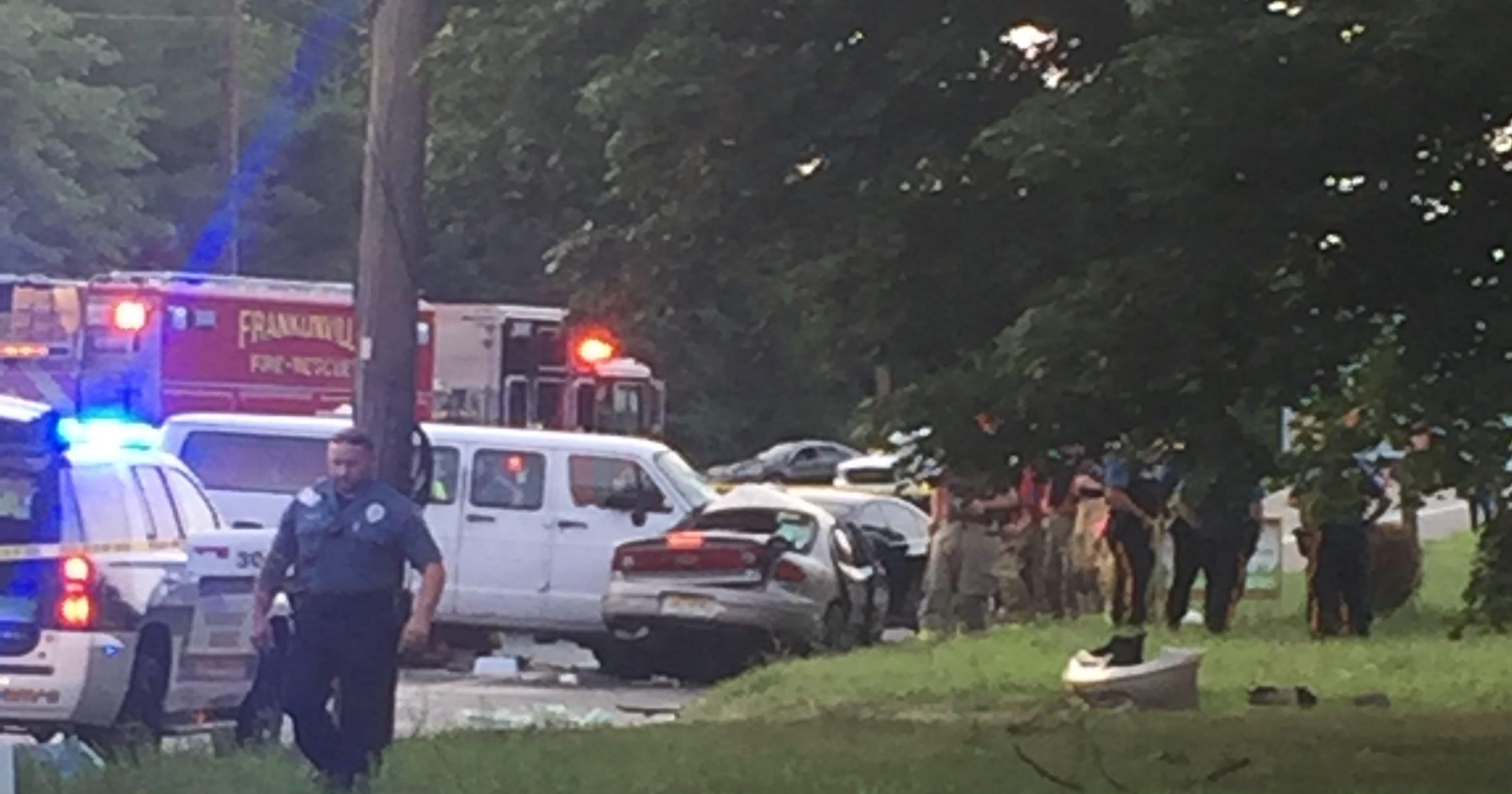 1 dead, 4 hurt in Franklin crash
