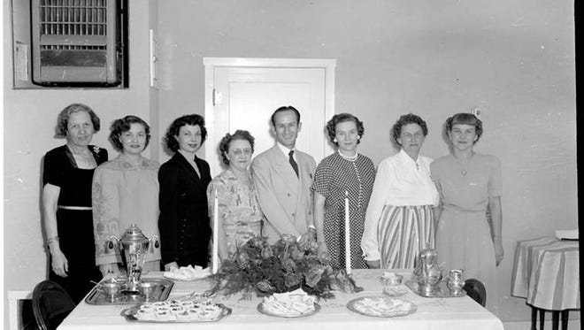 Photographer Carmon Phillips took hundreds of photographs back in the 1950s and 1960s. Historian and author Lyn Kidder is asking for help in identifying the people pictured to contribute to the history of the community. Visit the Ruidoso Public Library to view the entire collection.