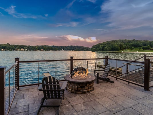 Mariner-s-Pointe-Outdoor-Fire-Pit.jpg