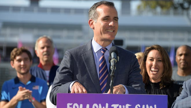 Los Angeles mayor Eric Garcetti thinks the city might have been better off with just one NFL team.