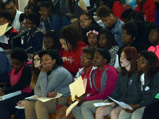 The Alexandria Chapter of Links brought Natalie Hurks, market director for the North America Fabric Care line of Procter & Gamble, to speak to girls at Arthur F. Smith Middle Magnet School about science and engineering. Hurks is a graduate of Peabody Magnet High School.