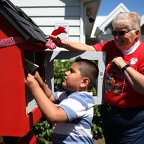 Mini libraries pop up around Salem area, offer kids, families free books