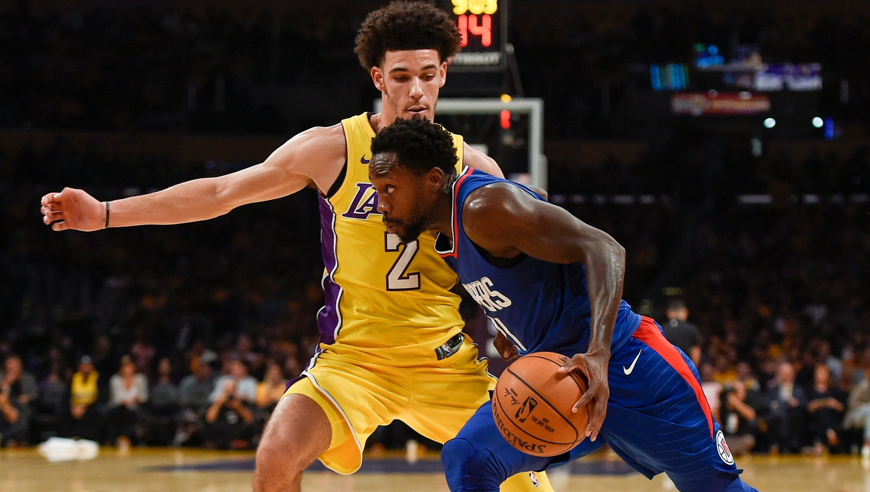 Lakers' Lonzo Ball gets rude 'welcome' to the NBA from Clippers' Patrick Beverley