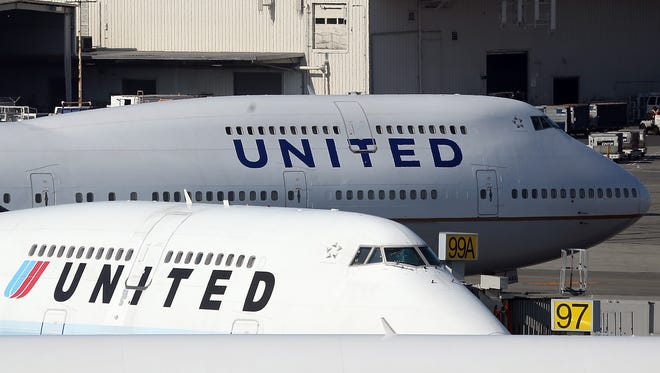 United Airlines planes.