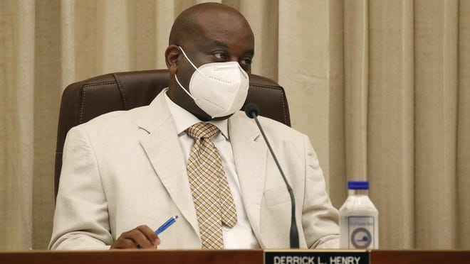 Daytona Beach Mayor Derrick Henry is shown Friday at an emergency City Commission meeting about the mandatory use of face masks in the city.