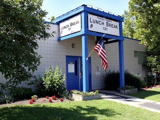 -Lunchbreak 036jv.jpg_20111212.jpg